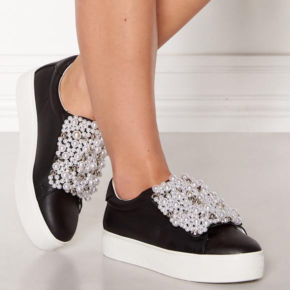 bbb9b29d942 🆕 STEVE MADDEN Embellished Shoes NWT